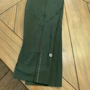 """Lululemon Fast and Frees 19"""" Army Green"""